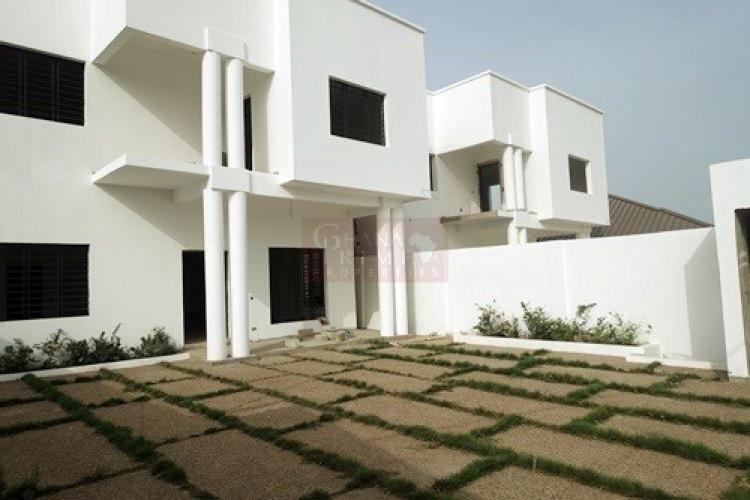 For Sale: 4 Bedrooms House, Airport Valley, Airport ...
