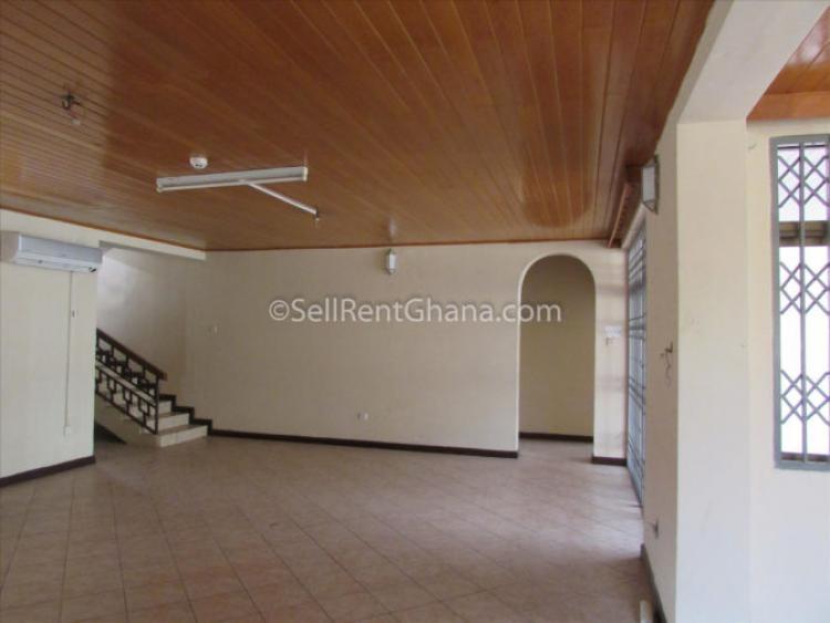 4 Bedroom House + 2 Sq + Pool, North Labone, Accra, Detached Duplex for Sale