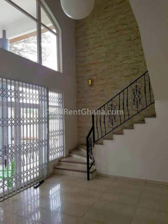 6 Bedroom Luxury House + Pool, North Labone, Accra, House for Rent