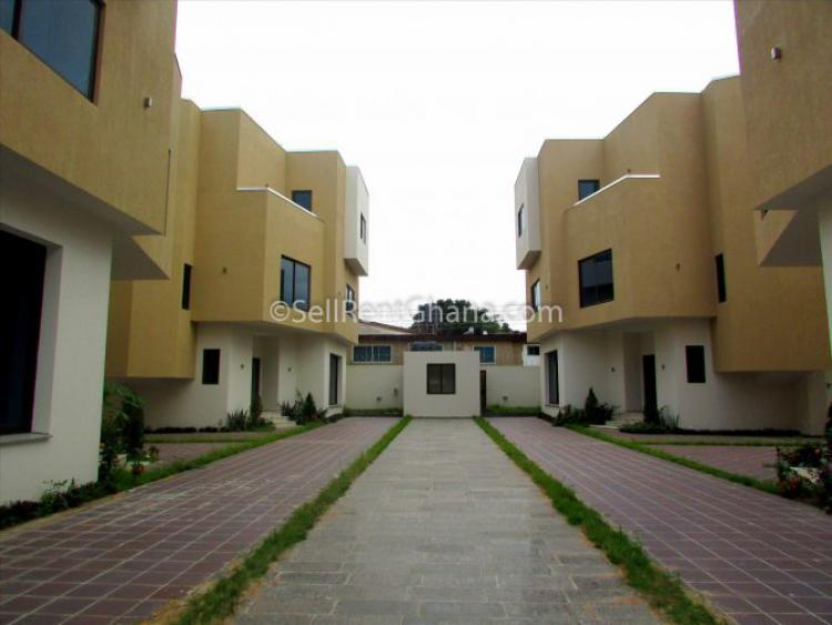 4 Bed Executive Townhouse + 1 Bed S. Quarters, West Airport, Airport Residential Area, Accra, Townhouse for Rent