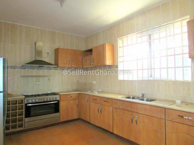 3 Bed Townhouse + 1 Staff Quarters, Cantonments, Accra, House for Rent