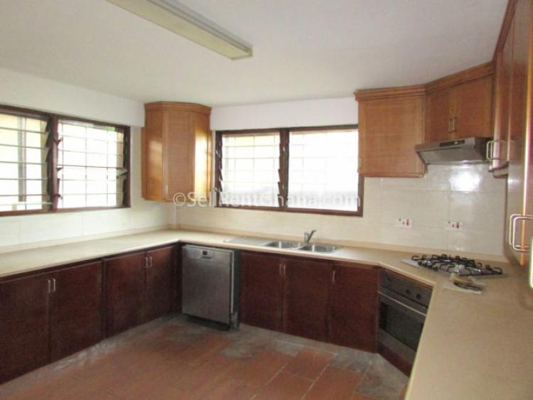 3 Bedroom Semi- Detach House +bq, North Labone, Accra, Detached Duplex for Rent