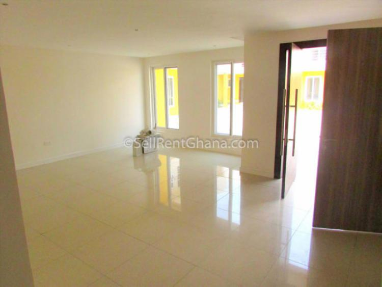 4 Bedroom Semi-detached Apartment, East Airport, Airport Residential Area, Accra, Semi-detached Duplex for Sale