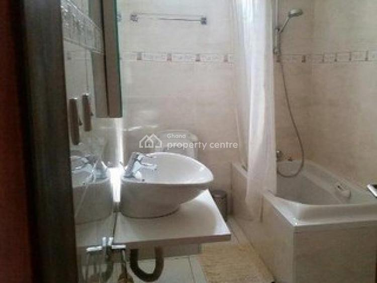 3 Bedroom Apartment, North Ridge, Accra, Flat for Rent