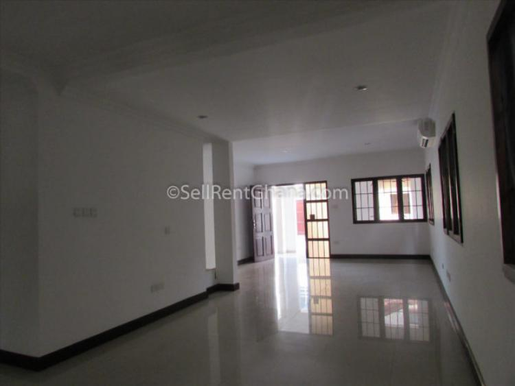 3 Bedroom Townhouse & Staff Quarters, Cantonments, Accra, Townhouse for Rent