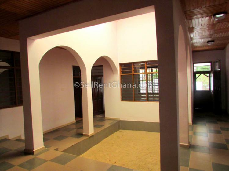 8 Bedroom House, West Legon, Ga East Municipal, Accra, Detached Bungalow for Rent