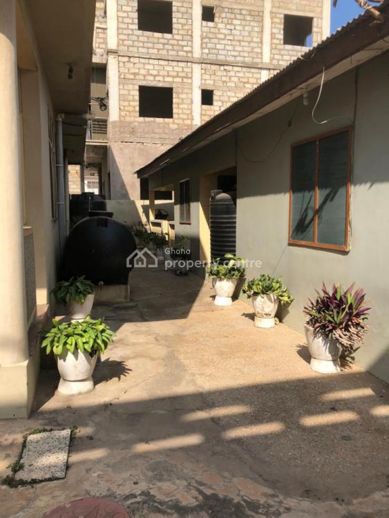 5bedrooms with 3bq House at Sakumono Close The Beach, Sakumono Beach Road, Community 14, Tema, Accra, Townhouse for Sale