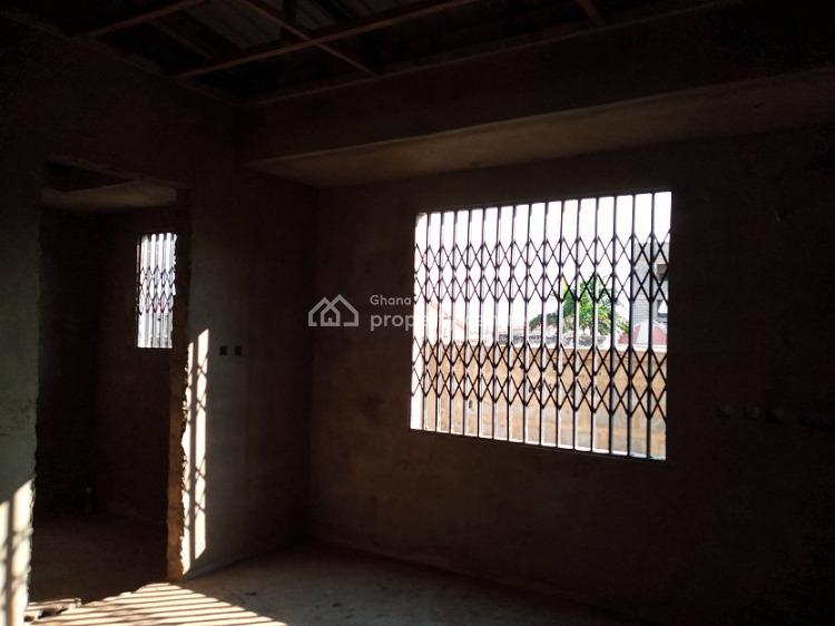 7bedrooms House at Tema Mataheko Off Michel Camp Road, Tema Mataheko Off Michel Camp, Afienya, Tema, Accra, Townhouse for Sale