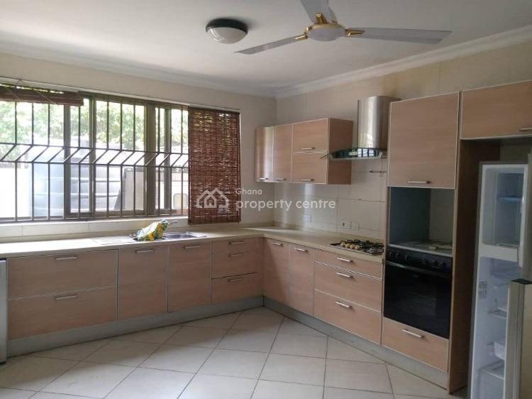 3 Bedrooms Semi-detached House, North Ridge, Accra, House for Rent