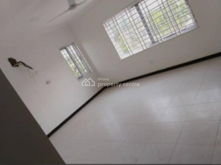 an Executive 3 Bedrooms 1 Bedroom Boys Quaters House, Achimota, Accra, House for Sale
