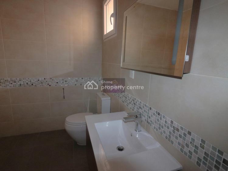 3 Bedroom Apartment, Ahafo Ano North, Ashanti, Flat for Rent