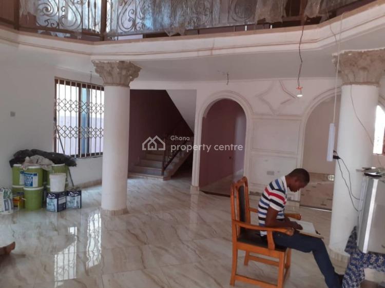 an Executive 5 Bedrooms House, Atasomanso-krokronmase, Kumasi Metropolitan, Ashanti, House for Sale