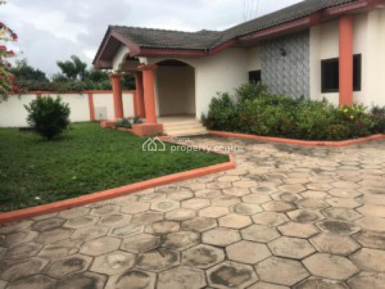 an Executive 3 Bedrooms House 2 Bedrooms Boys Quarters, Paraku, Dome, Ga East Municipal, Accra, House for Sale