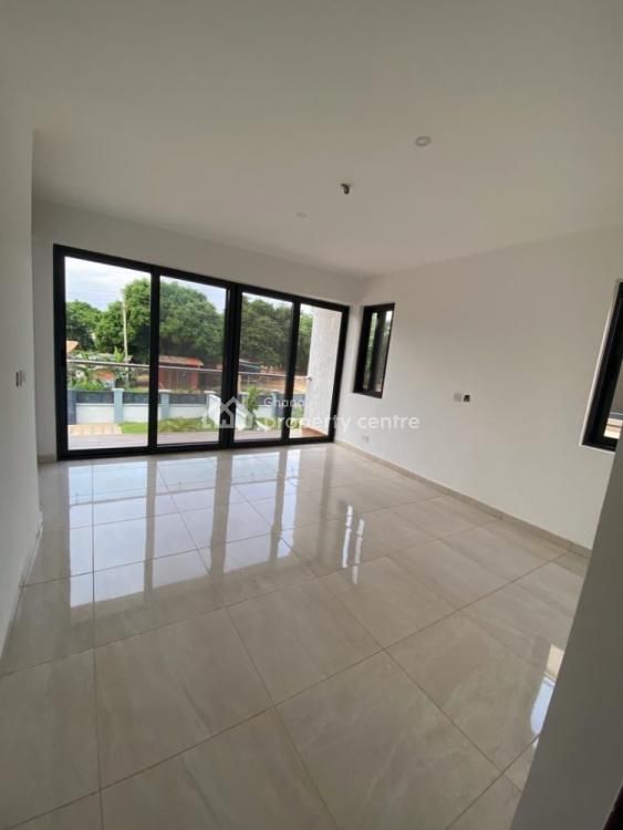 Luxury 4 Bedroom House, Oyarifa, Adenta Municipal, Accra, Terraced Bungalow for Sale