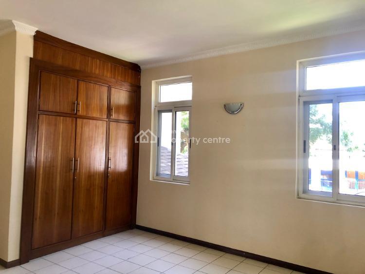 5 Bedroom House in Ridge Au Presidential Mansion, Ridge, Accra, North Ridge, Accra, Townhouse for Rent