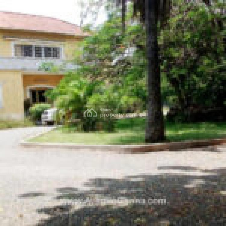 Executive House with 3 Bedroom Outhouse & Large Storage, Osu, Accra, House for Rent