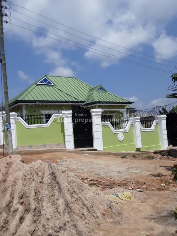 3 Bedrooms at a Conducive Environment, Kodie Akom, Afigya-kwabre, Ashanti, Townhouse for Sale