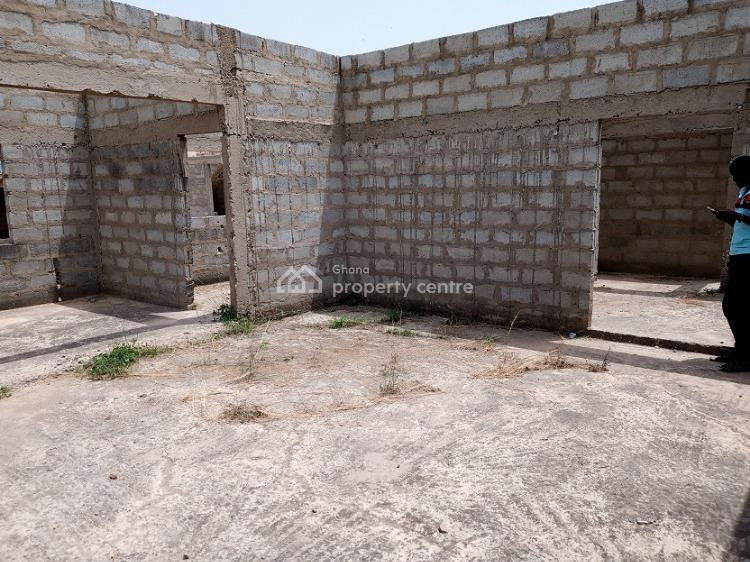 Uncompleted 5bedrooms House at Katamanso, Kpone Katamanso, Accra, Townhouse for Sale