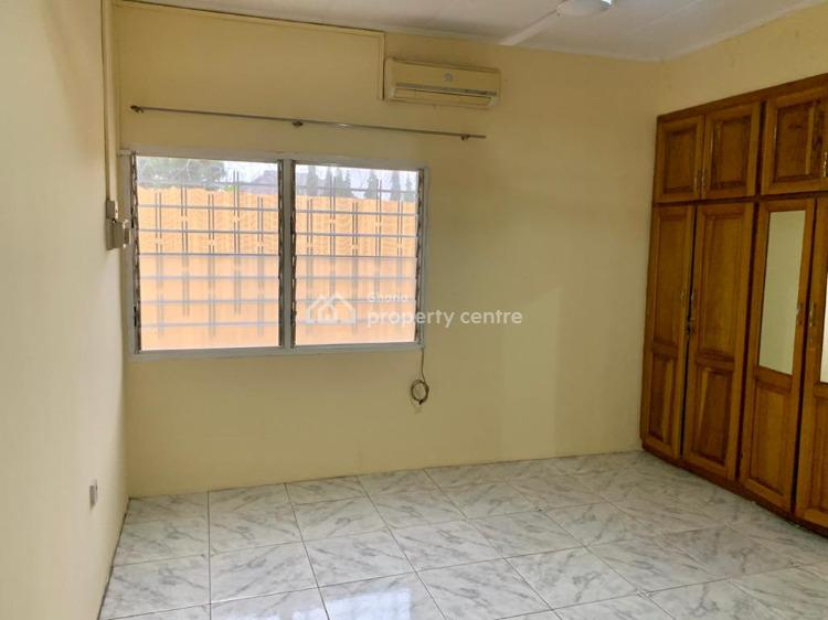 6 Bedroom with 2 Boys Quarters, Oyarifa, La Nkwantanang Madina Municipal, Accra, House for Sale