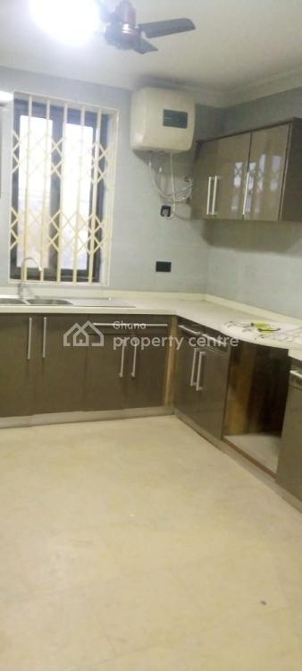 4 Bedrooms Self Compound, Lawrounds Agency, La Dade Kotopon Municipal, Accra, Townhouse for Rent