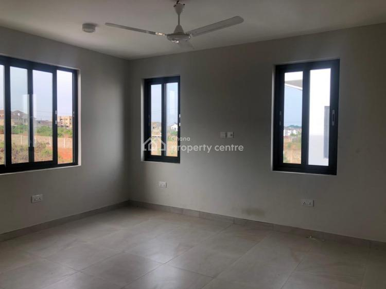 3 Bedrooms Townhouse with Boys Quarters, Lawrounds Agency, La Dade Kotopon Municipal, Accra, Townhouse for Sale