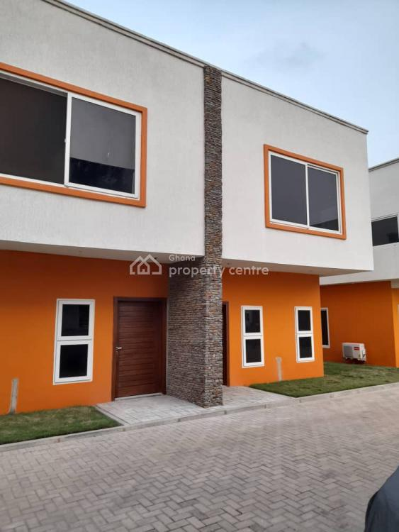 3 Bedrooms Townhouse, Lawrounds Agency, La Dade Kotopon Municipal, Accra, Townhouse for Rent