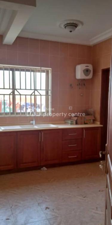 3 Bedrooms House, Lawrounds Agency, La Dade Kotopon Municipal, Accra, Semi-detached Duplex for Rent