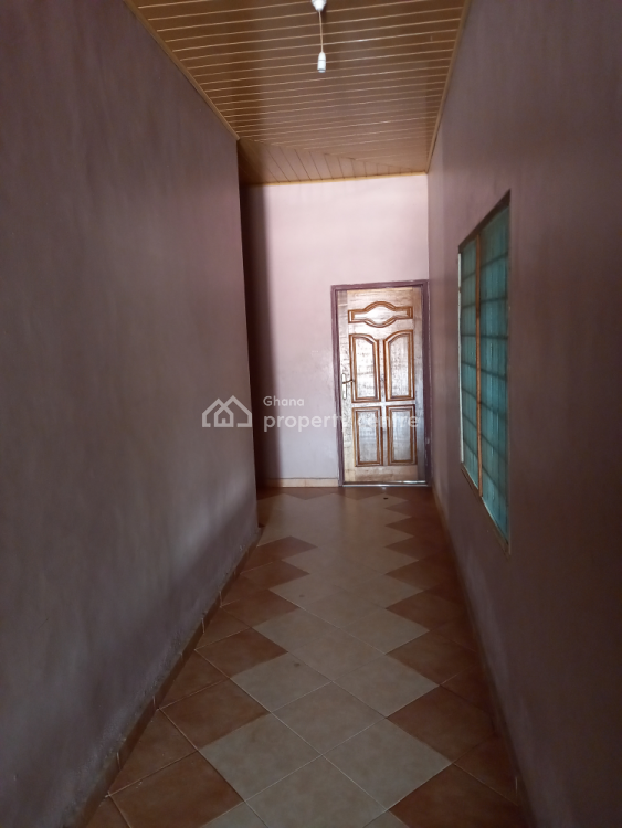 Executive 8 Bedrooms, Odiom ( Tech), Kumasi Metropolitan, Ashanti, House for Sale