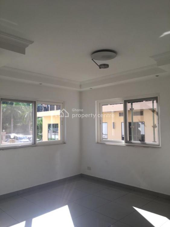 3 Bedroom Semi-detached with Boys Quarters, Airport Residential Area, Accra, Semi-detached Duplex for Rent