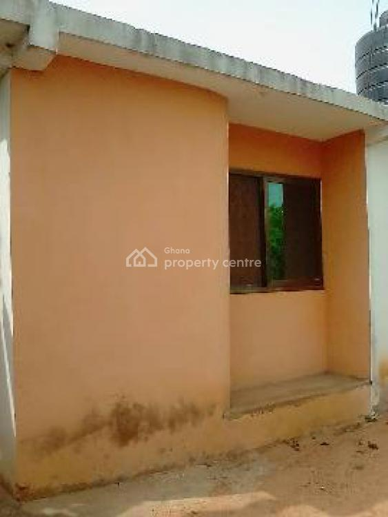 2 Master Bedroom House on 2 Plots, New Market Road, Kasoa, Awutu-senya East, Central Region, Detached Bungalow for Sale