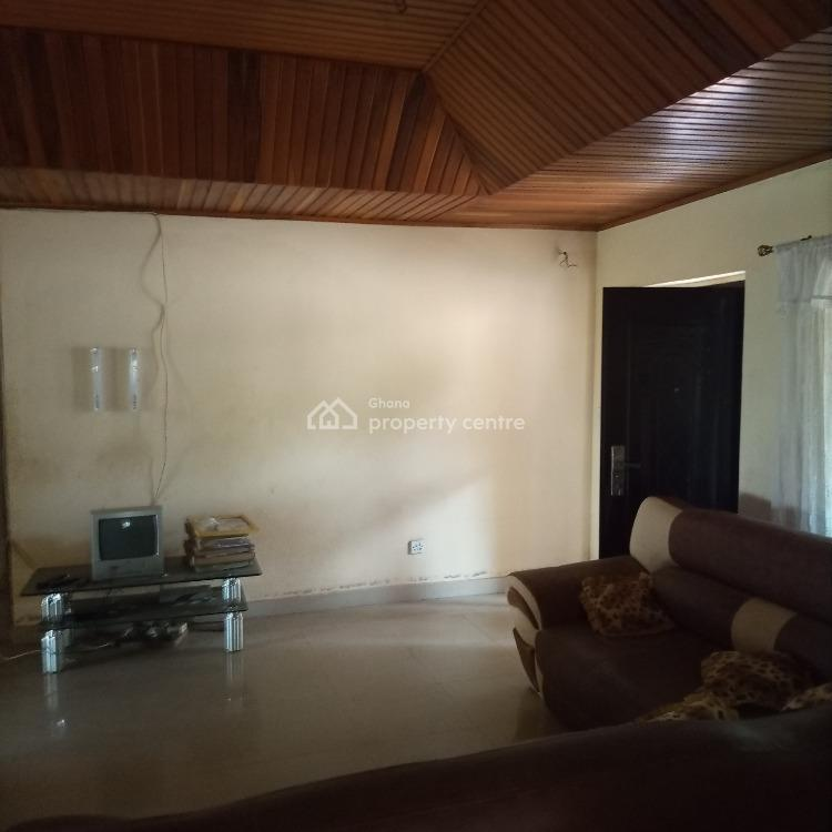 Neat 4 Brm House at C Connie Gbawe, C Connie Gbawe, Accra Metropolitan, Accra, Detached Bungalow for Sale