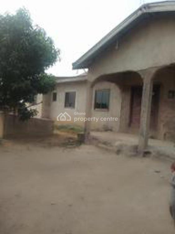 4 Bedroom House at Kasoa, Kasoa Sapato, Awutu-senya, Central Region, Detached Bungalow for Sale