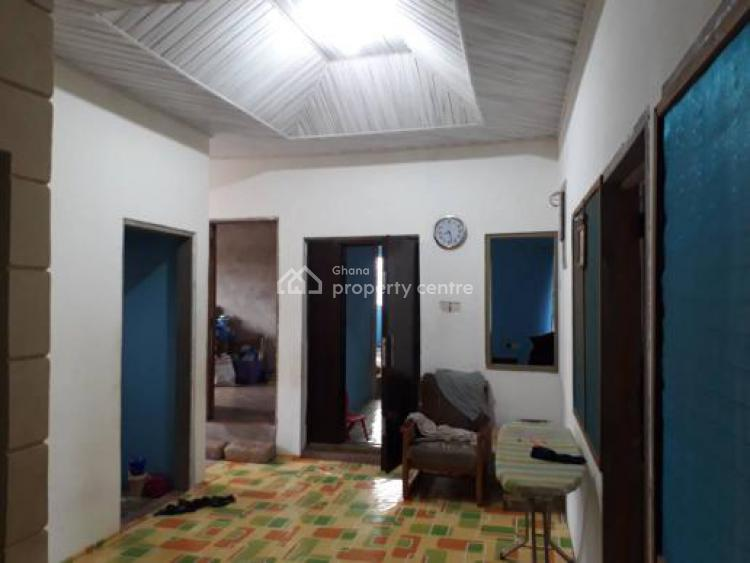 6 Bedroom House at New Bortianor Area, Broadcasting, Accra Metropolitan, Accra, Detached Bungalow for Sale