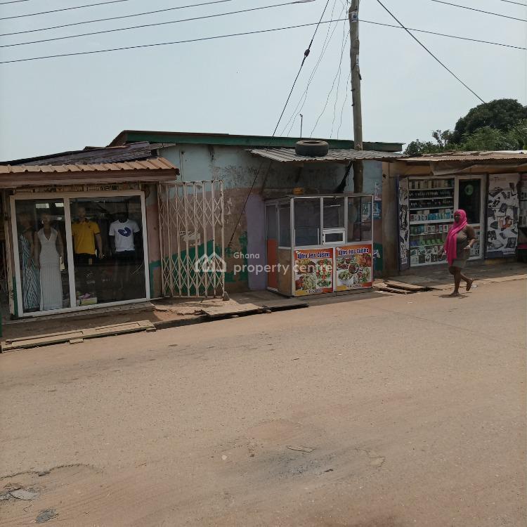 Show Case with Stand at Ayigbe Town Bubiashie, Bubiashie, Okaikoi South, Accra Metropolitan, Accra, Shop for Sale