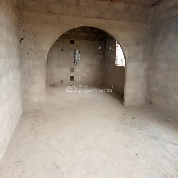 Roofed 8 Master Bedroom of 3 Apartments Storey on 2 Plots, Kasoa / Domiabra / Asabahan, Awutu-senya, Central Region, Detached Duplex for Sale