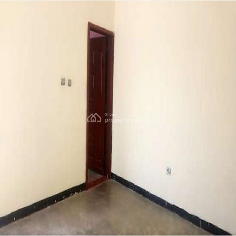 Single Room Self Contained, Nyaniba Estate, Osu, Accra, Mini Flat for Rent