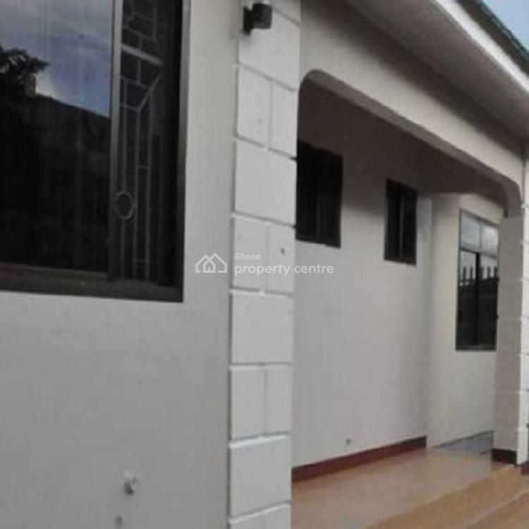 3 Bedroom House, Nyaniba Estate, Osu, Accra, House for Rent