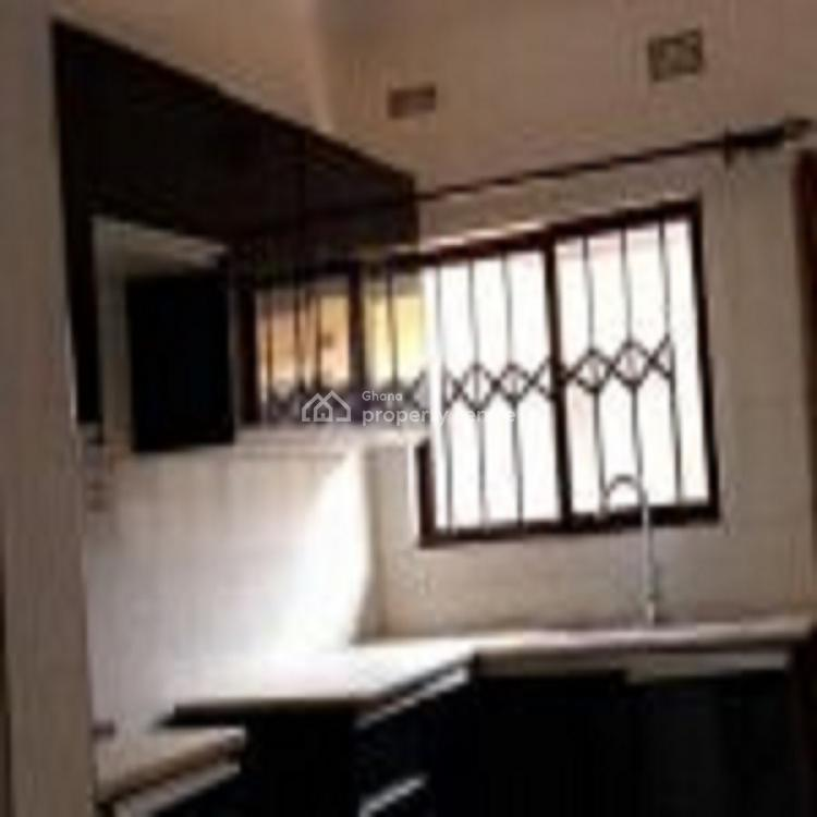 3 Bedroom House, Ako Adjei, Osu, Accra, House for Rent