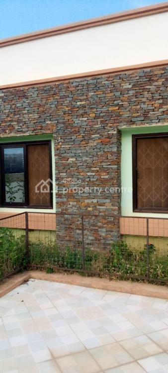 3 Bedrooms Family Semi-detached House, North Legon, Accra, Semi-detached Bungalow for Sale