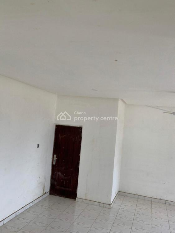 9 Bedrooms House, Oyibi-adenta, Oyibi, Accra, Terraced Bungalow for Rent