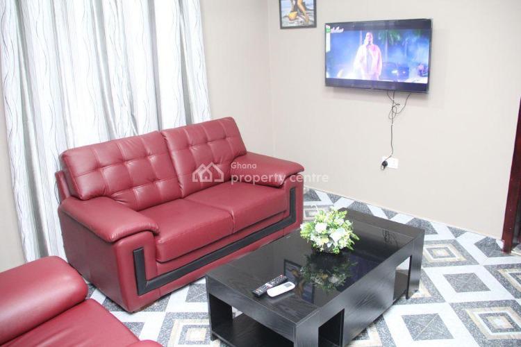 Fosua Papabi Guesthouse/hotel, Kwafokrom, Nsawam Off The Accra - Kumasi Road, Akuapim South Municipal, Eastern Region, Mini Flat Short Let