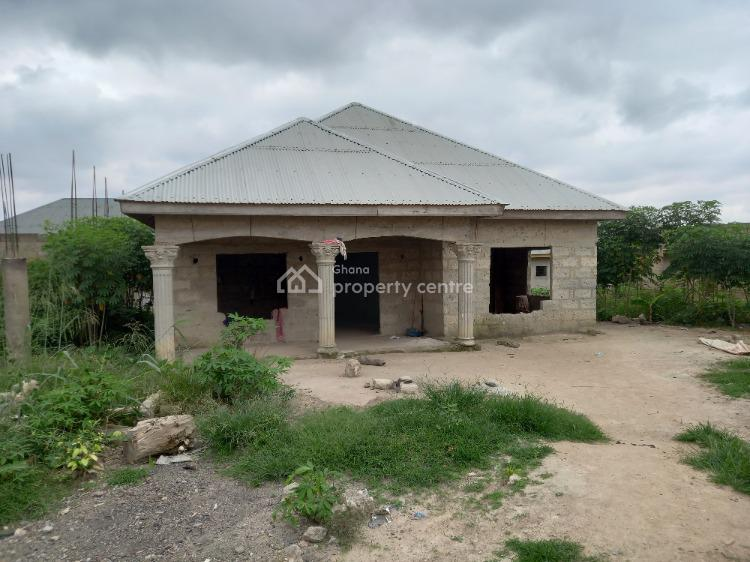 Luxury 4 Bedrooms, a New Site ( Close to Antoa) After Kenyasi Abrem, Kwabre, Ashanti, House for Sale