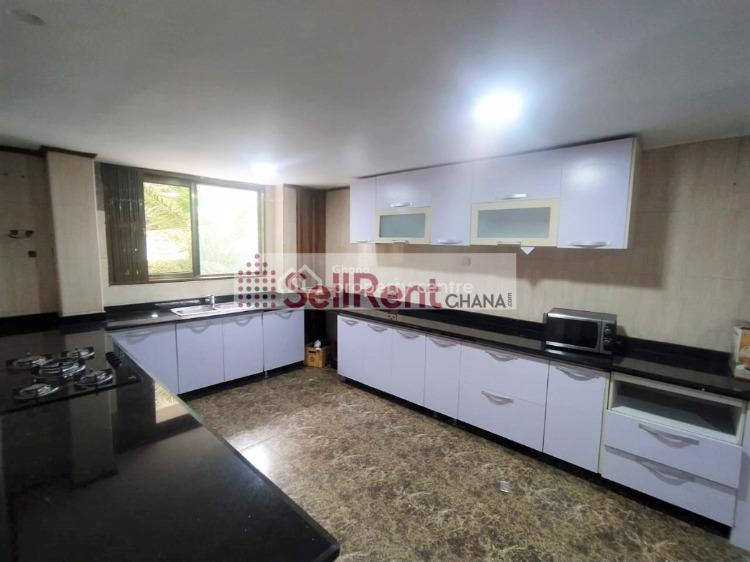 7 Bedroom 3 Bq  Self Compound  Acre, Cantonments, Accra, House for Rent