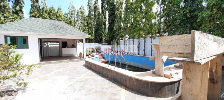 4 Bedroom House 2 Bq, North Ridge, Accra, Semi-detached Duplex for Rent