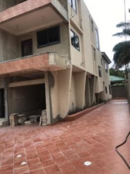 an Executive 6 Bedrooms House with 1 Bedroom Boys Quarters, Dzorwulu, Accra, House for Sale