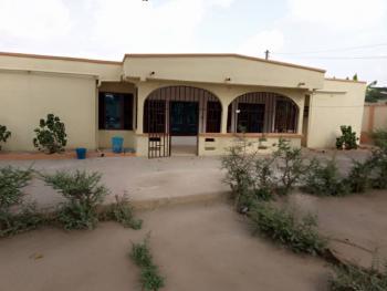 Executive 5 Bedrooms, Kumasi Metropolitan, Ashanti, Townhouse for Sale