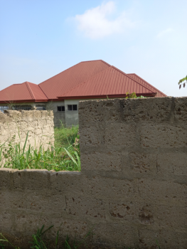 3 Bedrooms, Kenyasi Adwumam, Kumasi Metropolitan, Ashanti, Townhouse for Sale